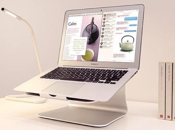 【おすすめ】MacBookの専用スタンドはこれ以外考えられないかも
