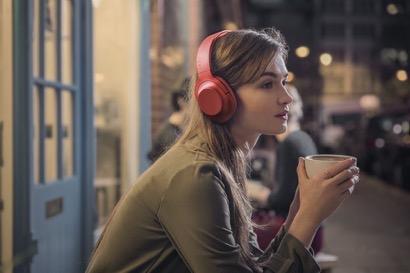 【SONY】ワイヤレスでノイズキャンセリングとハイレゾを体験できるヘッドホン(MDR-100ABN)