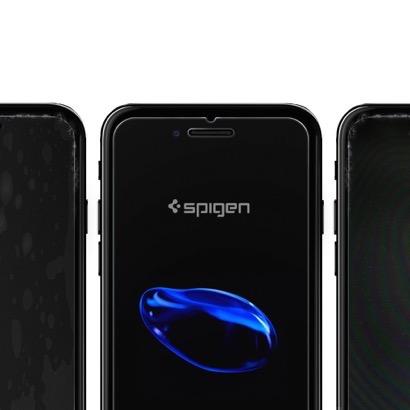 【Spigen】ケースと干渉しにくいガラスフィルム