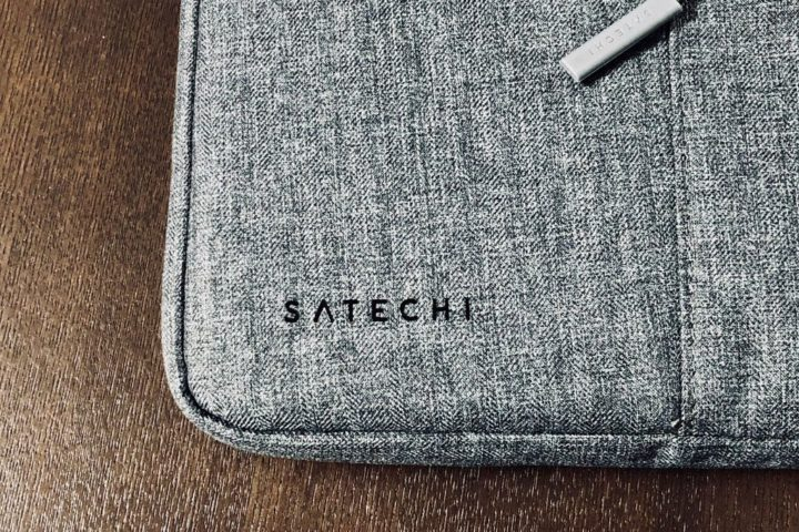 Satechi PCバッグ ロゴ