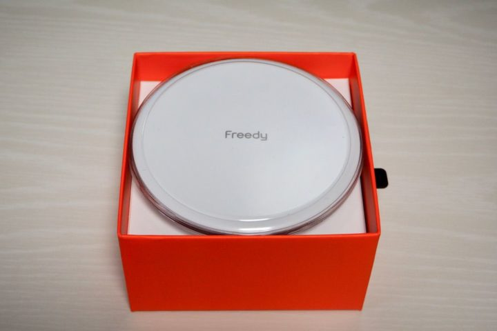 Freedy ワイヤレス充電器