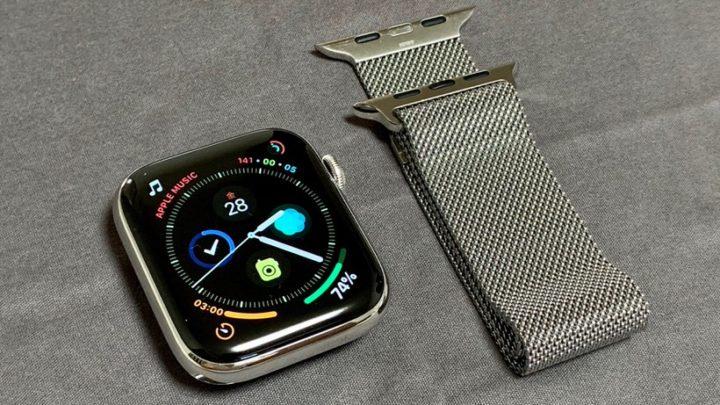 Apple Watch Series 4 GPS+Cellular ステンレススチールケース (44mm)