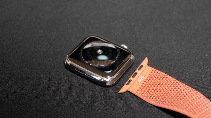 Apple Watchはバンド交換がかんたんに行える