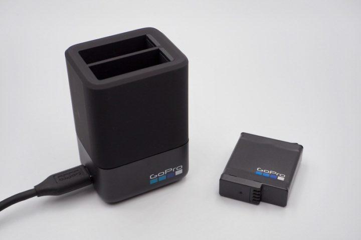GoPro純正バッテリーとチャージャー