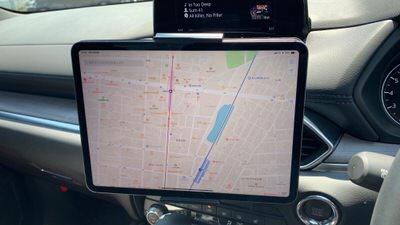 Satechiの車載ホルダーに11インチiPad Proを装着してみる