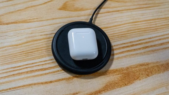 AirPods(第2世代)はQiワイヤレス充電に対応(with Wireless Charging Case)
