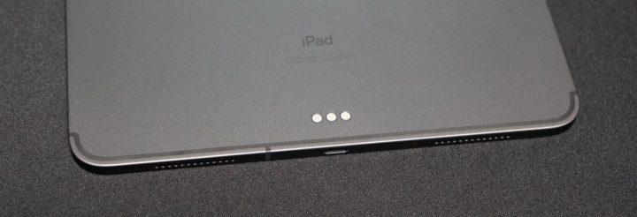 iPad Pro背面にある「Smart Connector」