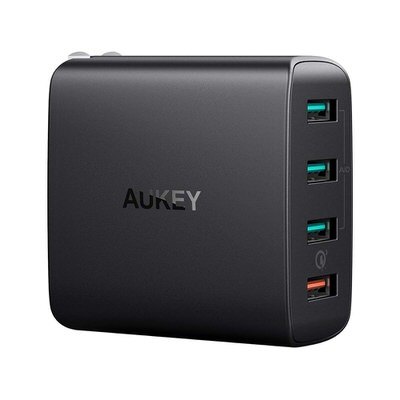 【AUKEY】Quick Charge対応 4ポート搭載の充電器(PA-T18)
