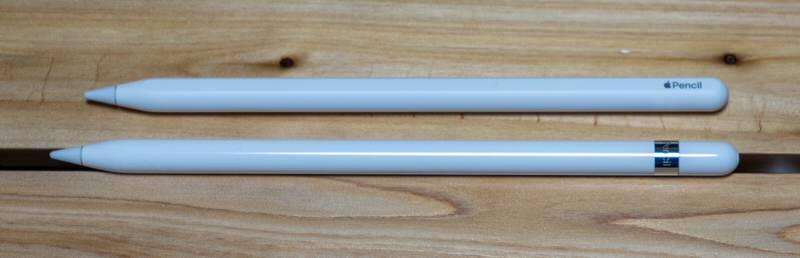 上:第2世代、下:第1世代 Apple Pencil