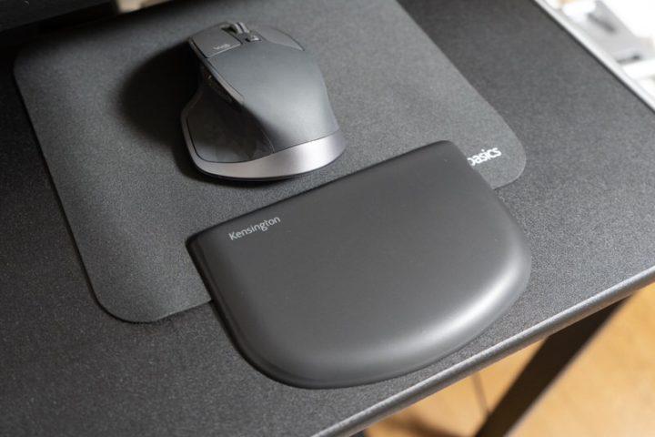 「マウスパッド+別売リストレスト」という選択肢もある