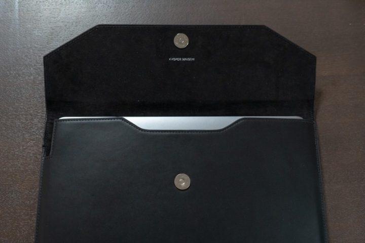 ファブリック素材がMacBookを保護してくれる