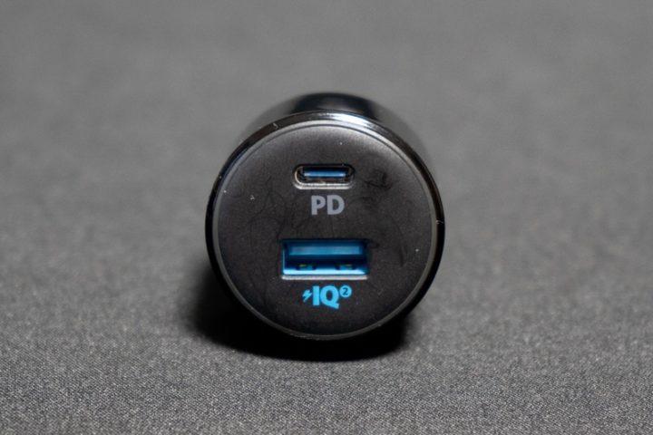 USB PD対応のUSB-CポートとPower IQ 2.0対応USB-Aポートを搭載