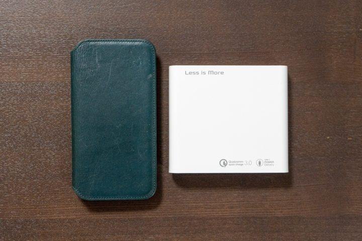 iPhone XSと大きさ比較 スペックを考えるとかなりコンパクトだ!