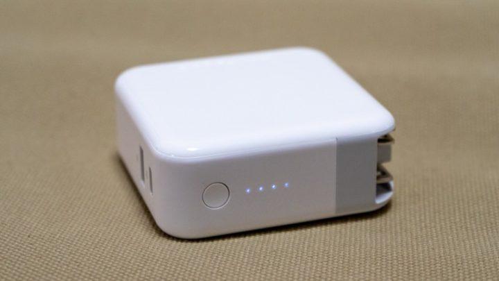 LEDランプでバッテリー残量や充電状態を知らせてくれる