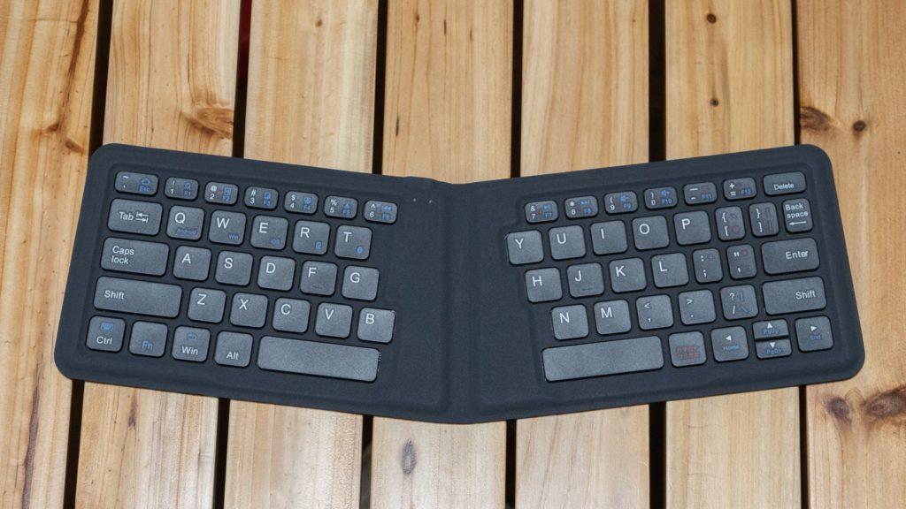 折りたたみ式キーボード iClever「BK06」
