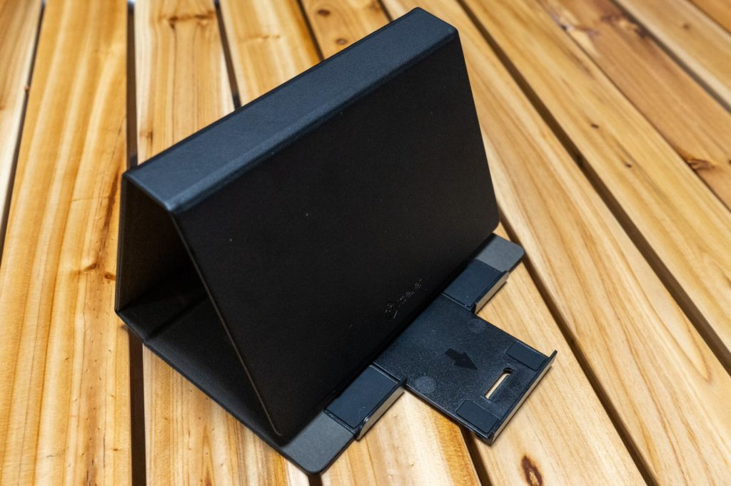 iClever BK03 iPadスタンドは角度調節も可能