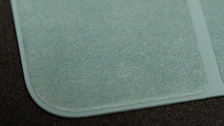 Smart Folio内側の肌触りがいい起毛素材