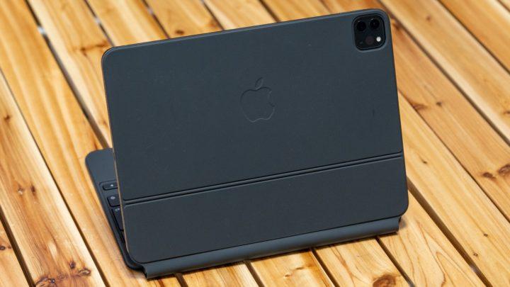 iPad Magic Keyboard 高級感がある質感だが指紋汚れが目立ちやすい
