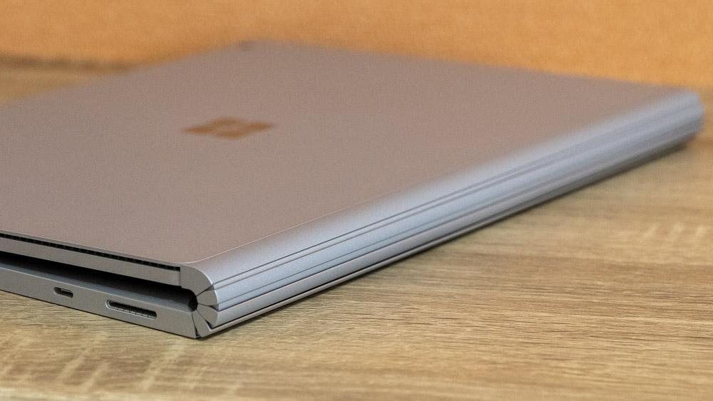 Surface Book 3 伸縮するように動くユニークなヒンジ