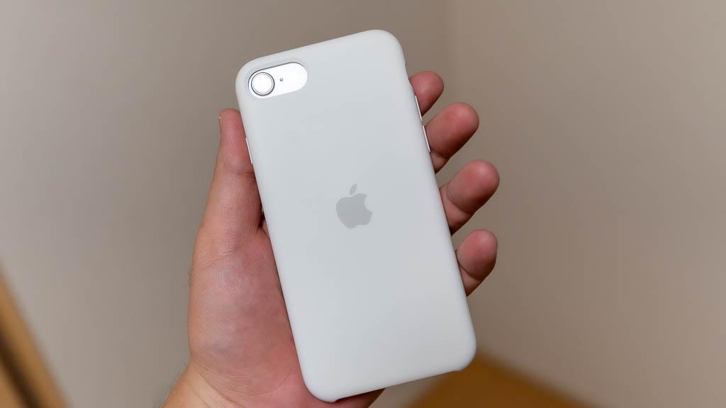 4.7インチのiPhone SEは手への収まりは抜群