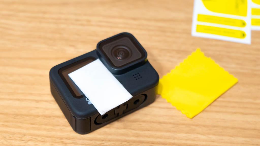 GoPro HERO9に保護フィルムを貼り付け2
