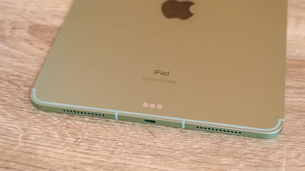 iPad AirのSmart Connector