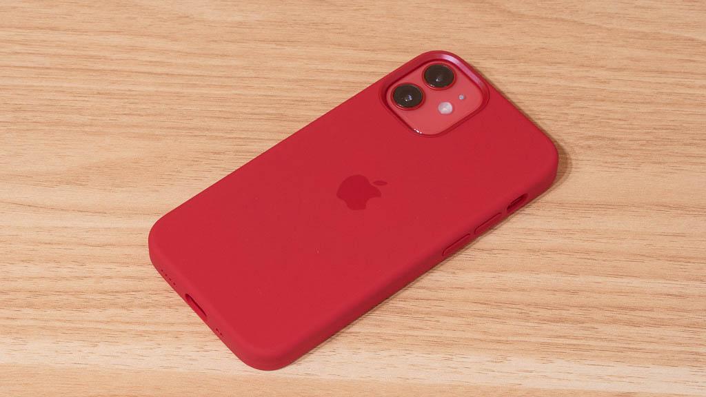 Apple MagSafe対応シリコンケース 肌触りの良さ