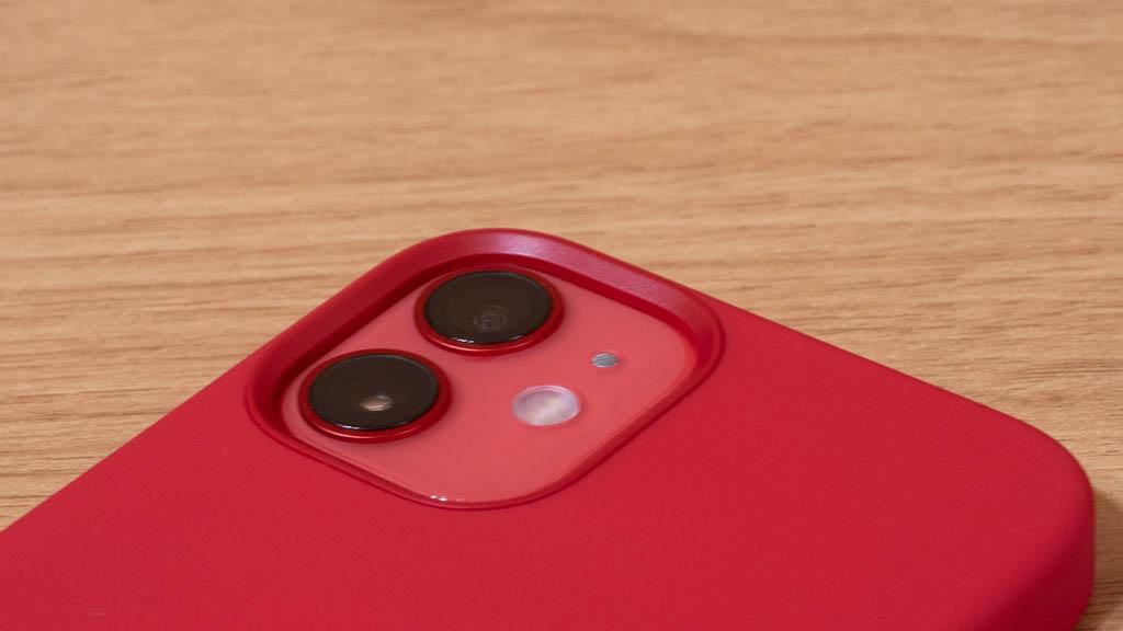Apple MagSafe対応シリコンケース カメラホール