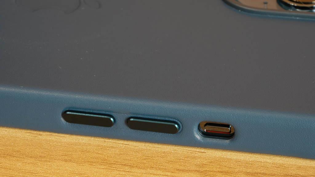 MagSafe対応iPhone 12 Pro Max サイドボタン