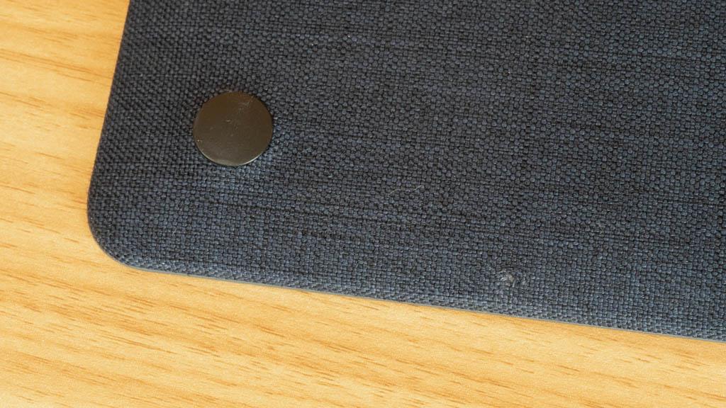 Incase MacBookシェルカバーの傷