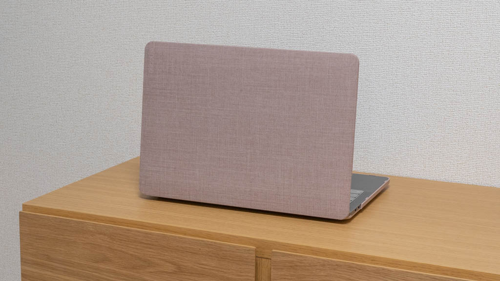 Incase MacBookシェルカバー