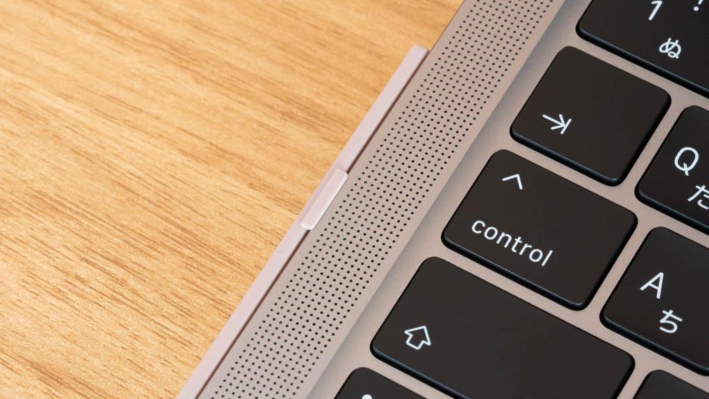 Incase MacBookシェルカバー 爪