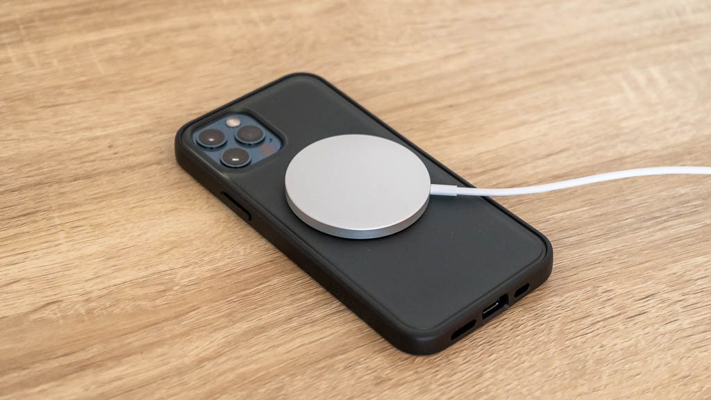 MagSafe充電器はサードパーティ製ケースでも使える
