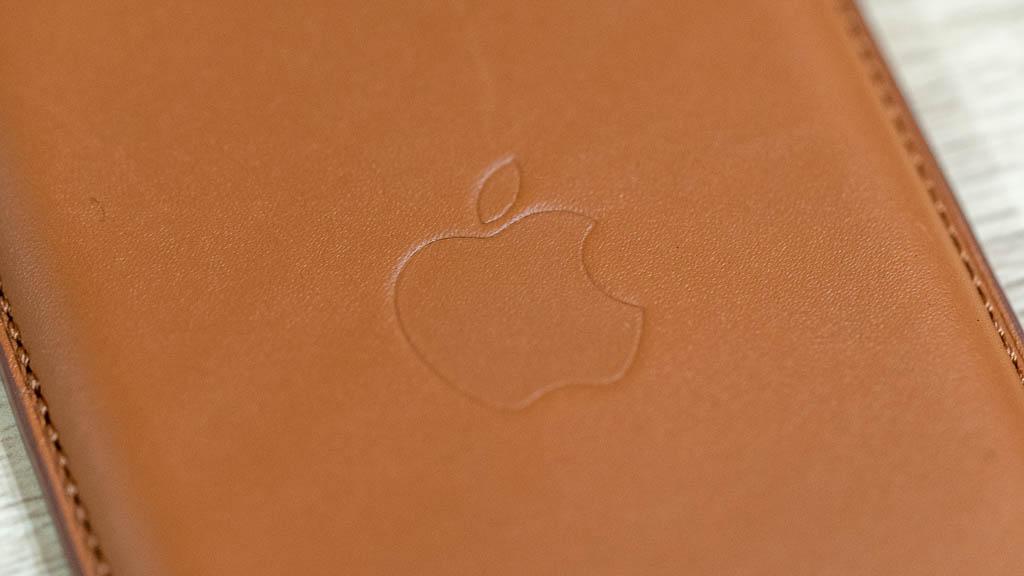 MagSafe対応レザーウォレット Appleマーク