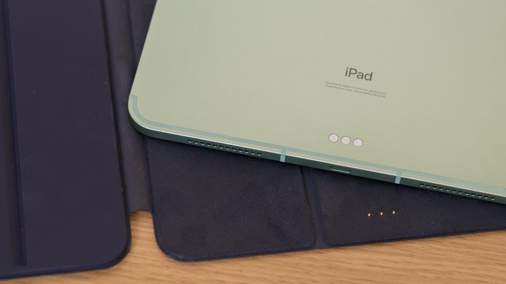iPad Smart KeyboardのSmart Connector接続
