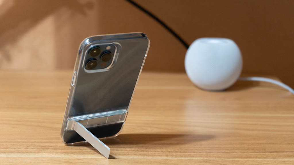 ESR スタンド搭載クリアケースは縦置きに対応 iPhone 12 Pro Max