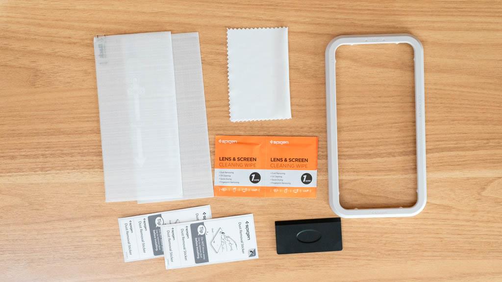 【Spigen】AlignMaster iPhone 12 Pro Max 付属品