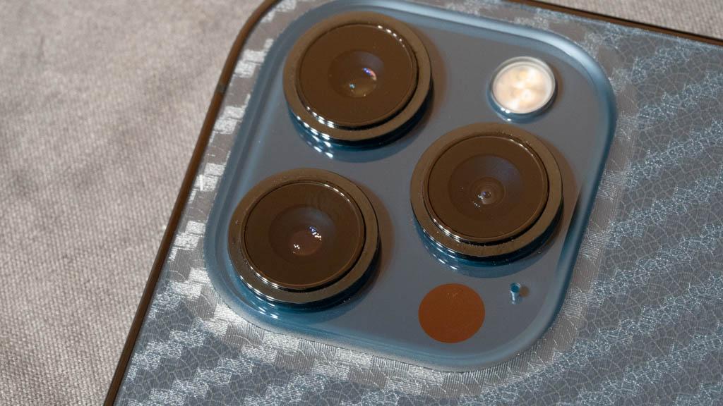 【Maxku】裸派におすすめ!背面用 保護フィルム iPhone 12 Pro Max 浮き