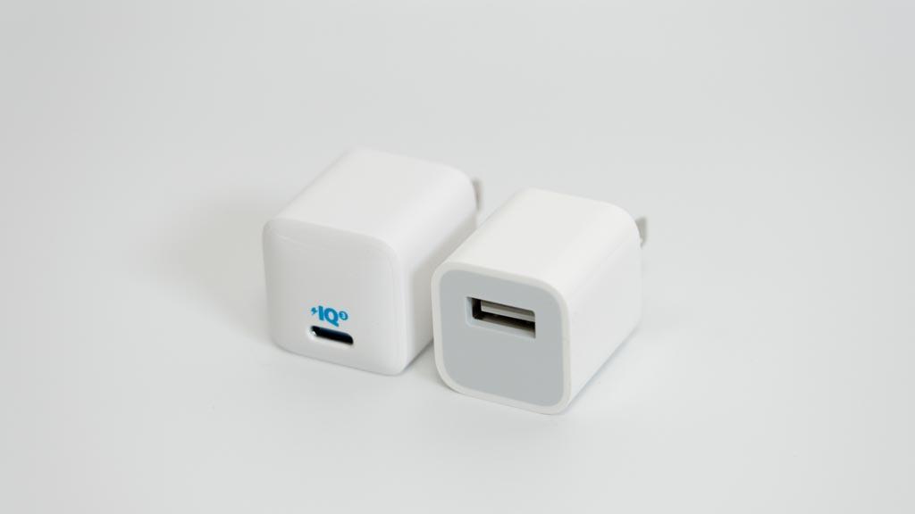Anker PowerPort III Nano 20WとApple 5Wアダプタ