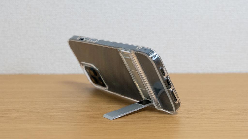 ESR スタンド付きiPhoneクリアケース 横置き