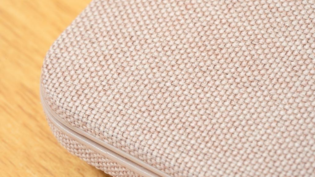 Incase Textured Hardshell in Woolenex 表面の質感