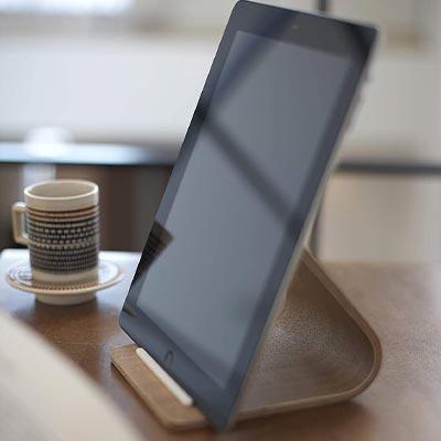 【山崎実業】シンプルがいい!木製iPadスタンド