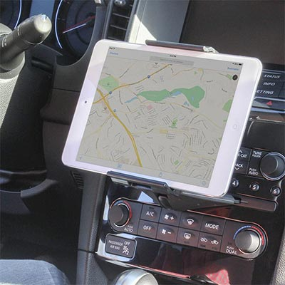 【Satechi】CDスロットに装着できる車載ホルダー