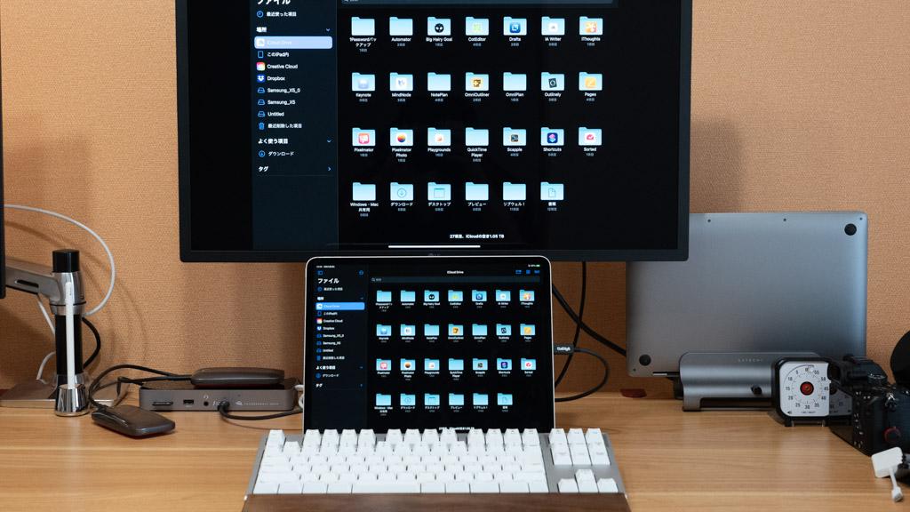Thunderbolt 4ドックにiPad Proを接続