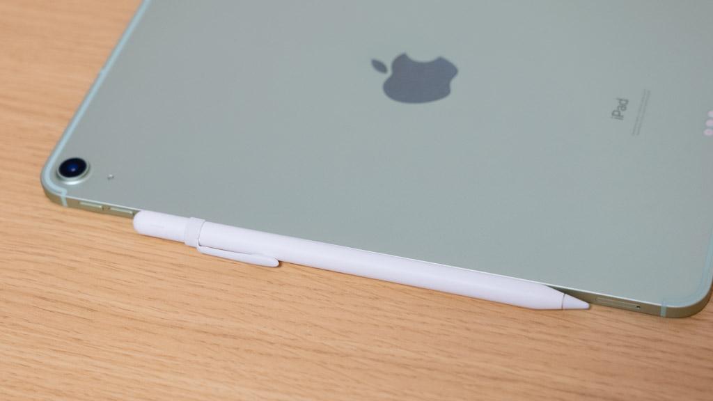 Apple Pencil(第2世代)をiPad Air(第4世代)にくっつける