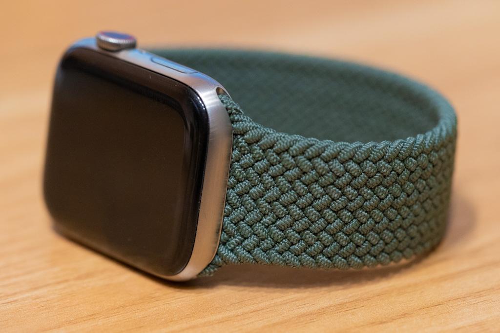 Apple Watch ブレイデッドソロループ